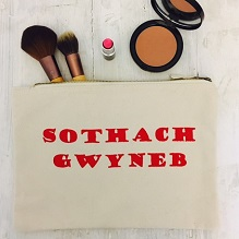 'Sothach Gwyneb'' Make Up Bag