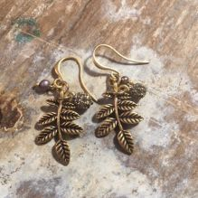 Hultquist Leaf Earrings in Gold